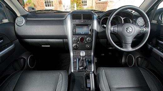 Suzuki Grand VItara interior (c) Suzuki