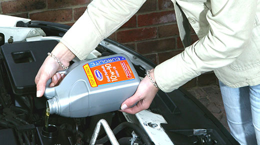 Engine oil top up