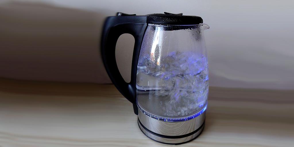 do not de-ice car with kettle
