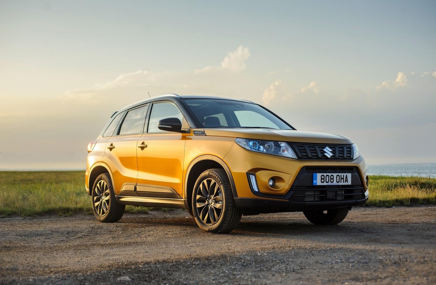 2019 Suzuki Vitara gold side